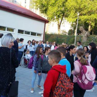 Održano mirno okupljanje u znak podrške djeci s teškoćama u razvojugall-5