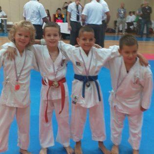 Četiri medalje Karate kluba Tigar u Dalmatinskoj karate ligigall-0