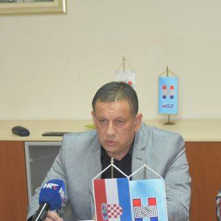 """Na konferenciji za novinare HDZ-a o 'neraspoređivanju' četvero djelatnika: """"To je politička odmazda""""gall-2"""