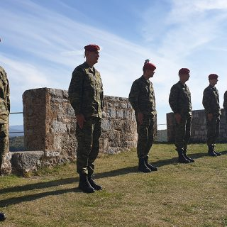 Novim vođama HV-a uručene značke i diplome na Kninskoj tvrđavigall-2
