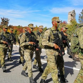 Dolaskom u Knin završena hodnja novih vođa Hrvatske vojskegall-1