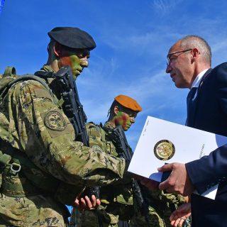 Novim vođama HV-a uručene značke i diplome na Kninskoj tvrđavigall-4