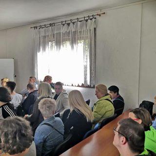 U Kninu započele edukacije za nezaposlene osobe: Naučit će sve o uzgoju i preradi ljekovitog biljagall-6