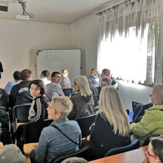 U Kninu započele edukacije za nezaposlene osobe: Naučit će sve o uzgoju i preradi ljekovitog biljagall-7