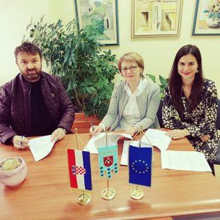Potpisan Ugovor za radove energetske obnove Doma za starije i nemoćne osobe Knin vrijedan preko 3,5 milijuna kuna!gall-0