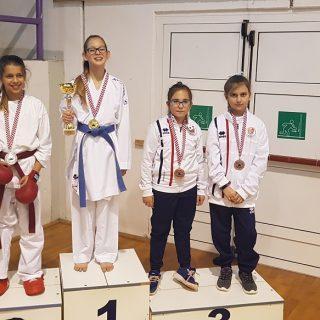 Pet bronci Karate kluba Knin u Dalmatinskoj ligigall-1