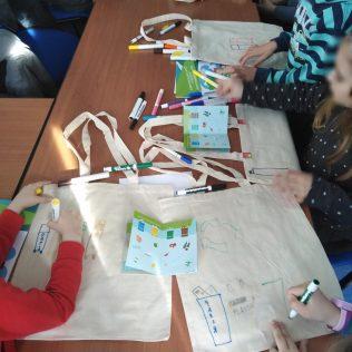 Podjelom igračaka i tiskanih materijala završava projekt 'Eko regija'gall-1