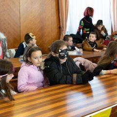 Foto: Maškare preuzele vlast: Novoizabrani gradonačelnik obećao čokoladnu kišu i bazengall-3