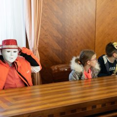 Foto: Maškare preuzele vlast: Novoizabrani gradonačelnik obećao čokoladnu kišu i bazengall-4
