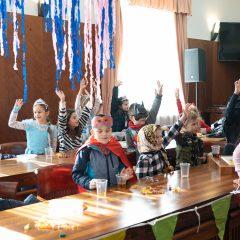 Foto: Maškare preuzele vlast: Novoizabrani gradonačelnik obećao čokoladnu kišu i bazengall-38