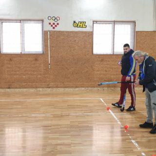 Demonstracija hokeja na travi u OŠ Domovinske zahvalnostigall-1