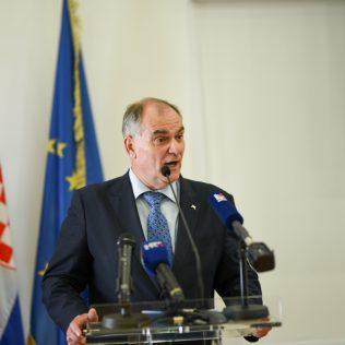 Ministar Ćorić u Kninu: Izglasavanje Zakona o Parku prirode Dinara u ranu jesengall-3