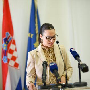 Ministar Ćorić u Kninu: Izglasavanje Zakona o Parku prirode Dinara u ranu jesengall-7