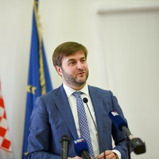 Ministar Ćorić u Kninu: Izglasavanje Zakona o Parku prirode Dinara u ranu jesengall-0