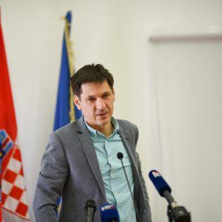 Ministar Ćorić u Kninu: Izglasavanje Zakona o Parku prirode Dinara u ranu jesengall-5