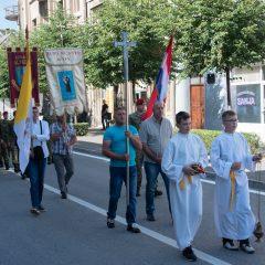 Foto: Knin danas slavi svoj dan – blagdan sv. Ante, zaštitnika gradagall-10