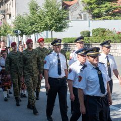 Foto: Knin danas slavi svoj dan – blagdan sv. Ante, zaštitnika gradagall-32