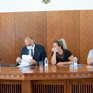 Potpisani ugovori s 20 mladih obitelji: Pola milijuna kuna za adaptaciju stanovagall-1