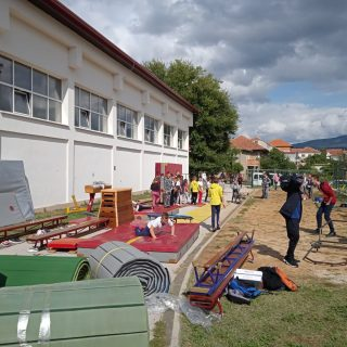 Gimnastičkom klubu Knin i OŠ Domovinske zahvalnosti donirana gimnastička opremagall-1