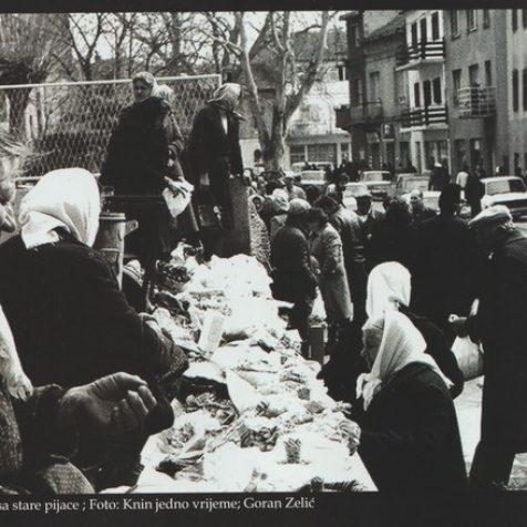 Kninske srednjoškolke pokrenule inicijativu Zidnih novina u starom gradu; Javite se s pričomgall-1