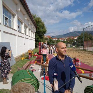 Gimnastičkom klubu Knin i OŠ Domovinske zahvalnosti donirana gimnastička opremagall-4