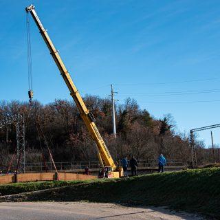 Foto: Danas se postavlja pješački most na Orašicigall-0