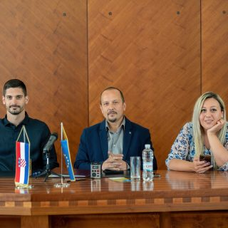 Knin dobiva Poduzetnički centar: Potpisan ugovor o izvođenju radova vrijednih 23,3 milijuna kunagall-0