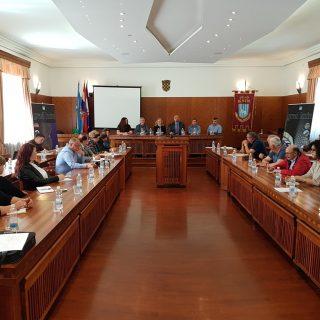 Na sastanku poljoprivrednika i europarlamentarke Petir u Kninu izneseno puno problema, ali i prijedloga za njihovo rješavanjegall-1