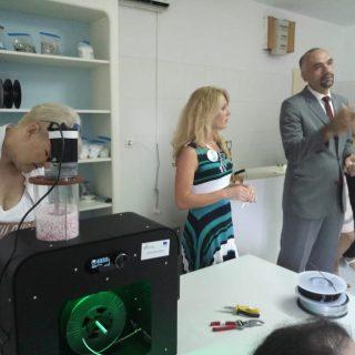 RePlast 3D: U testnom pogonu za proizvodnju tonera za 3D printere zaposlene 3 osobe; Educirano njih 16gall-2