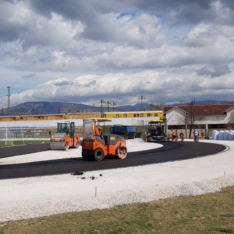 Foto: Asfaltira se dio između nogometnog igrališta i buduće atletske stazegall-0