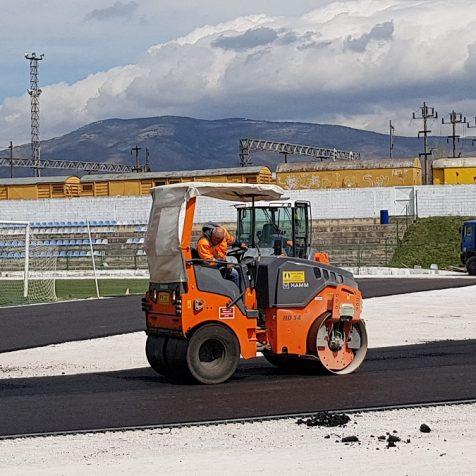 Foto: Asfaltira se dio između nogometnog igrališta i buduće atletske stazegall-1