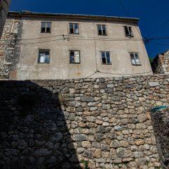 Članovi Foto kluba Knin s kolegama iz Zagreba i Šibenika slikali staru jezgru gradagall-9